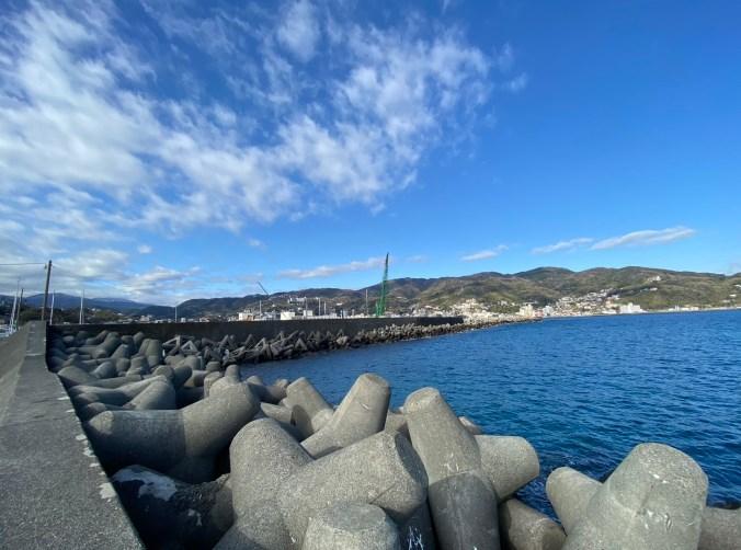 【静岡県伊東市】『なぎさ公園』の釣り場ガイド(釣れる魚・駐車場・トイレ)