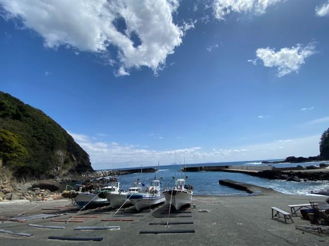 【東伊豆|河津町】『菖蒲沢ダイビングセンター付近』の釣り場ガイド(釣れる魚・駐車場)