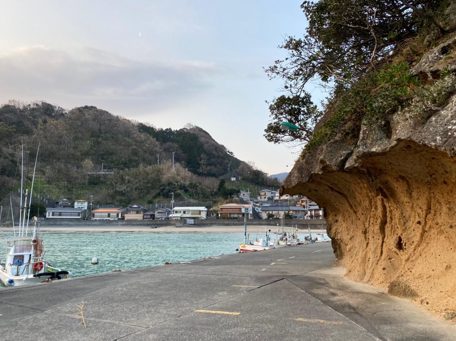 【西伊豆 松崎町】『岩地海水浴場付近』の釣り場ガイド(釣れる魚・駐車場)