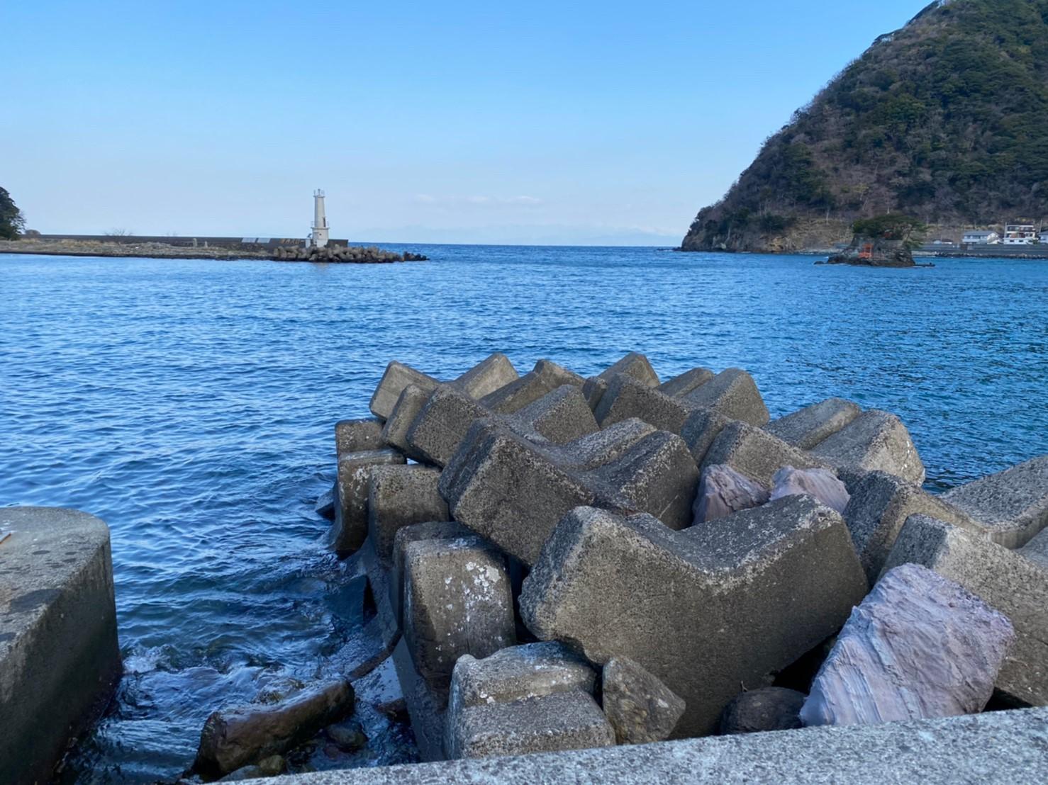 【西伊豆 西伊豆町】『安良里港』の釣り場ガイド(釣れる魚・駐車場)