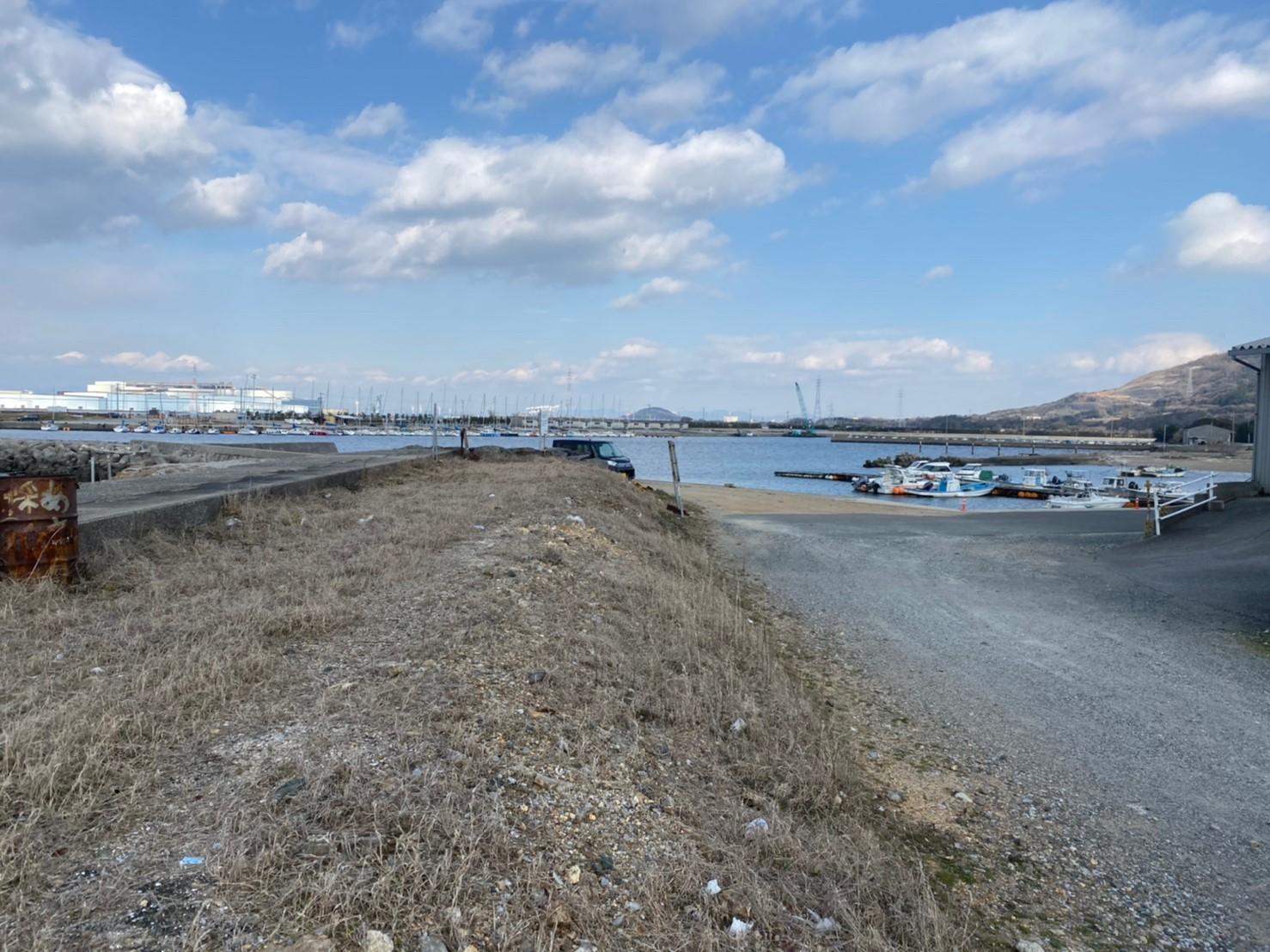 【夜が賑やかな港】『姫島漁港:ひめじまぎょこう』の釣り場ガイド(駐車場・トイレ・釣れる魚)