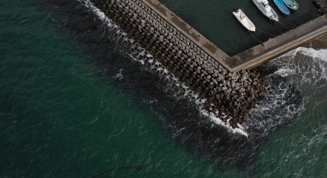 『宇津江漁港・海水浴場』の釣り場ガイド(駐車場・トイレ・釣れる魚)