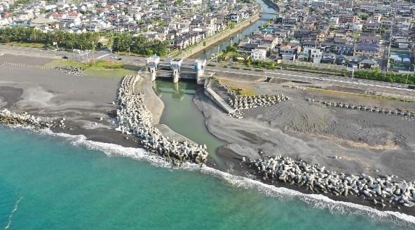 【静岡市】『放水路記念公園・大谷川』の海釣りガイド(釣れる魚・駐車場)