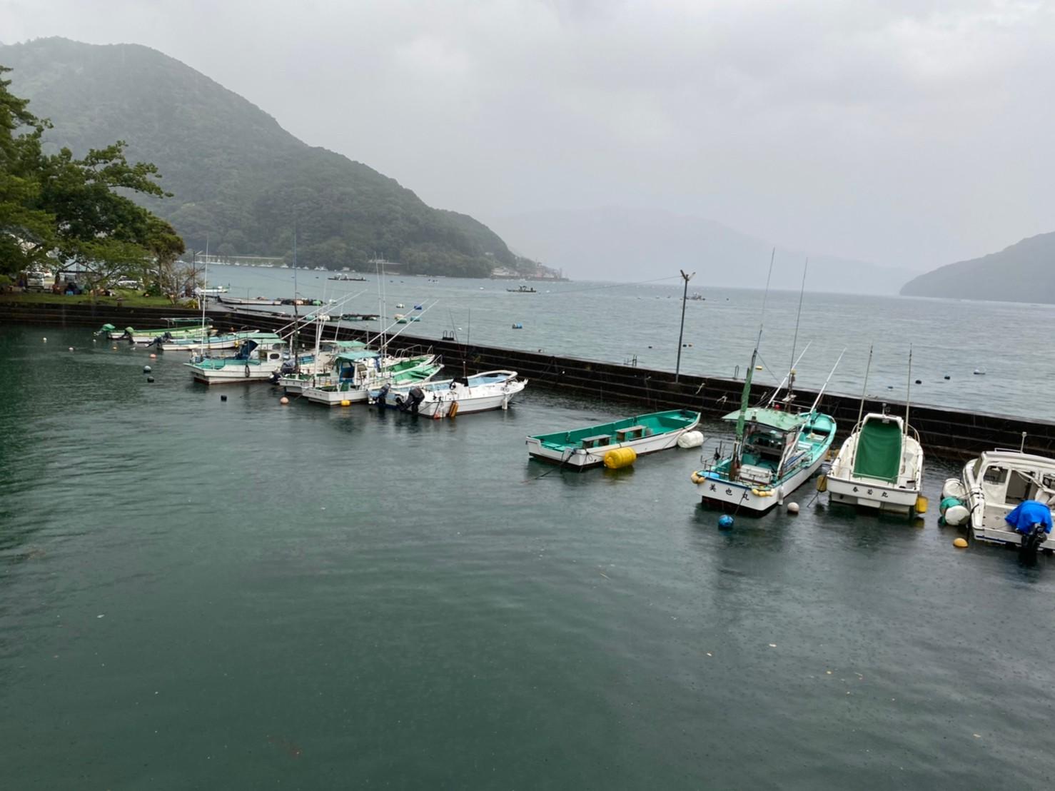 【三重県尾鷲市】『賀田湾・賀田漁港』の海釣りガイド(釣れる魚・駐車場・トイレ)