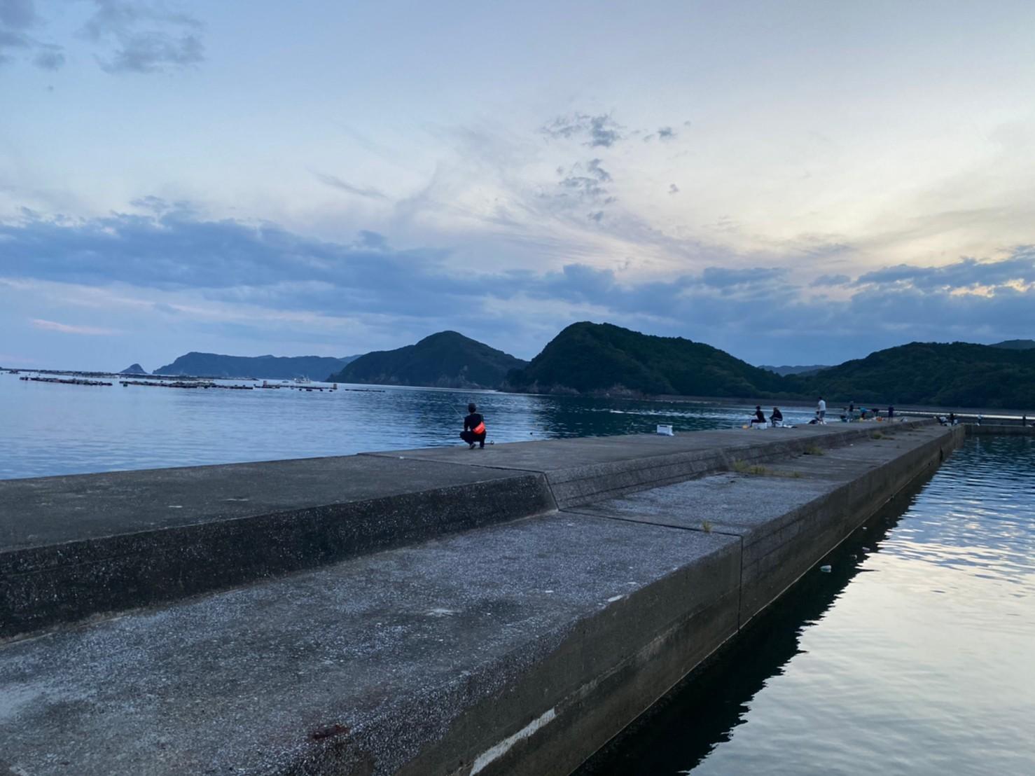 【三重県南伊勢町】『奈屋浦漁港(なやうら)』の海釣りガイド(釣れる魚・駐車場・トイレ)